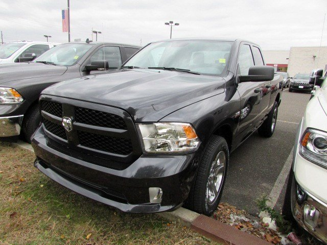 2018 Ram 1500 Quad Cab 4x4 Pickup #CJ078 - photo 3