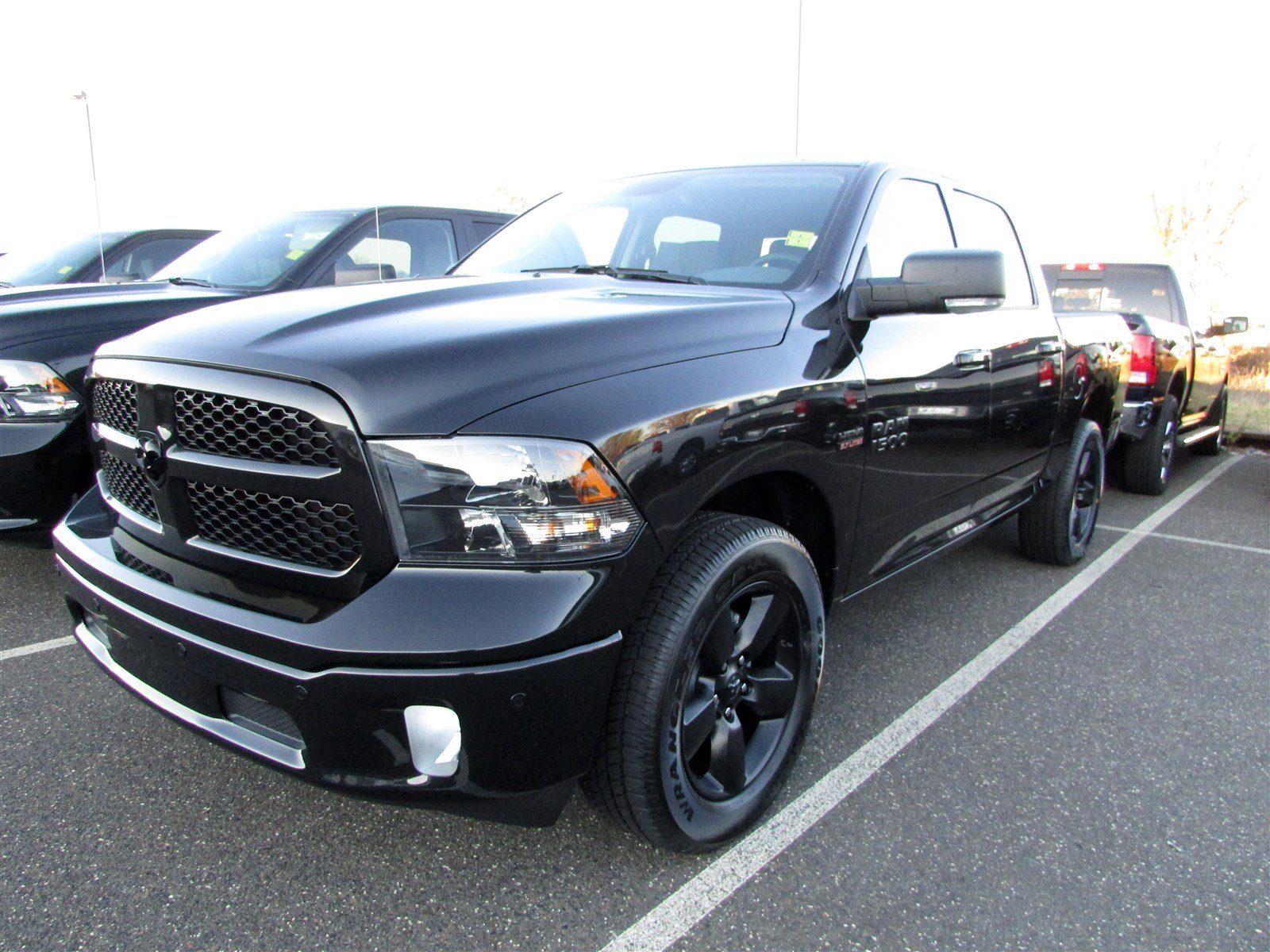 2018 Ram 1500 Crew Cab 4x4 Pickup #CJ122 - photo 3