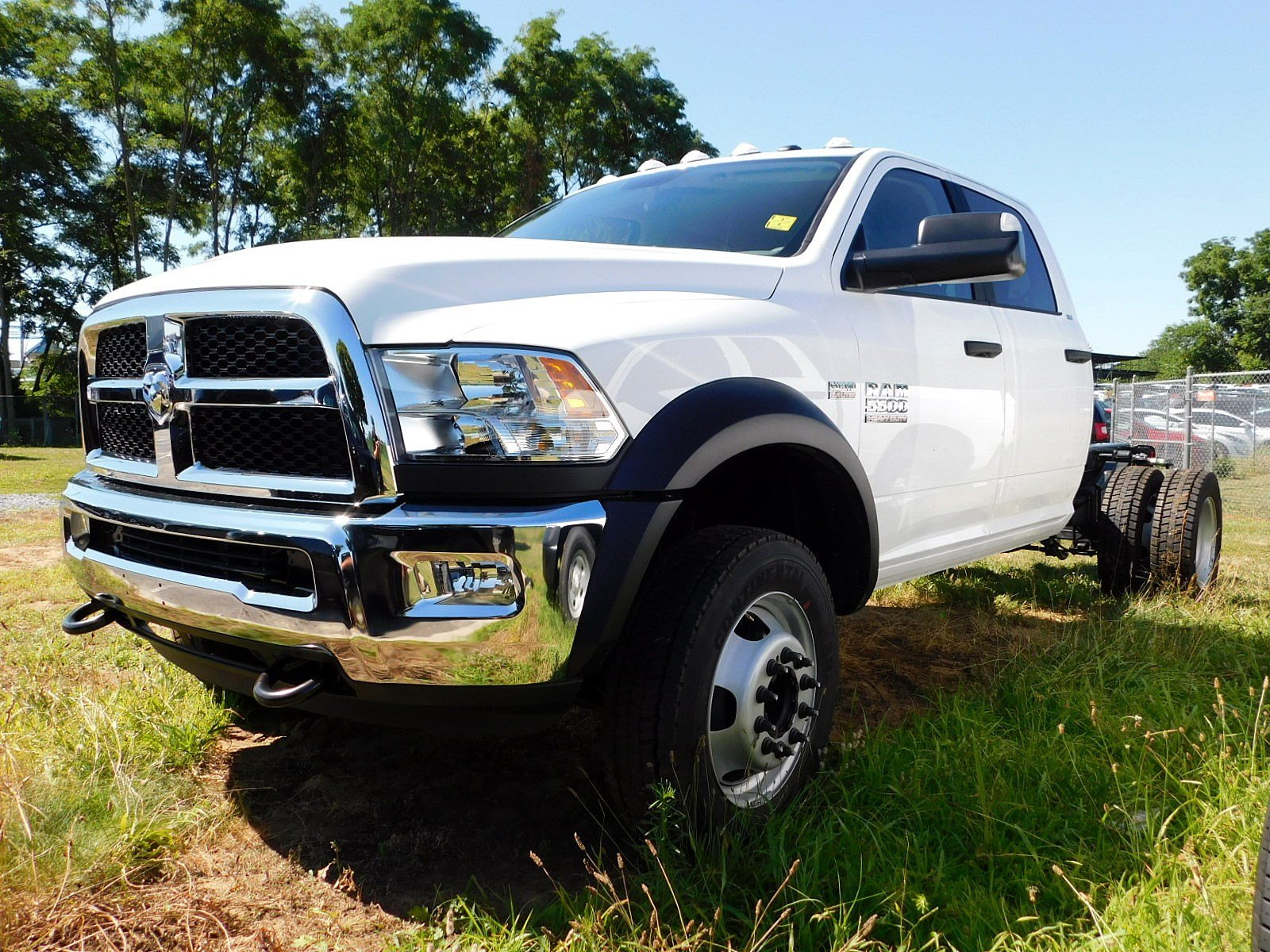 2018 Ram 5500 Crew Cab DRW 4x4,  Cab Chassis #CJ478 - photo 3