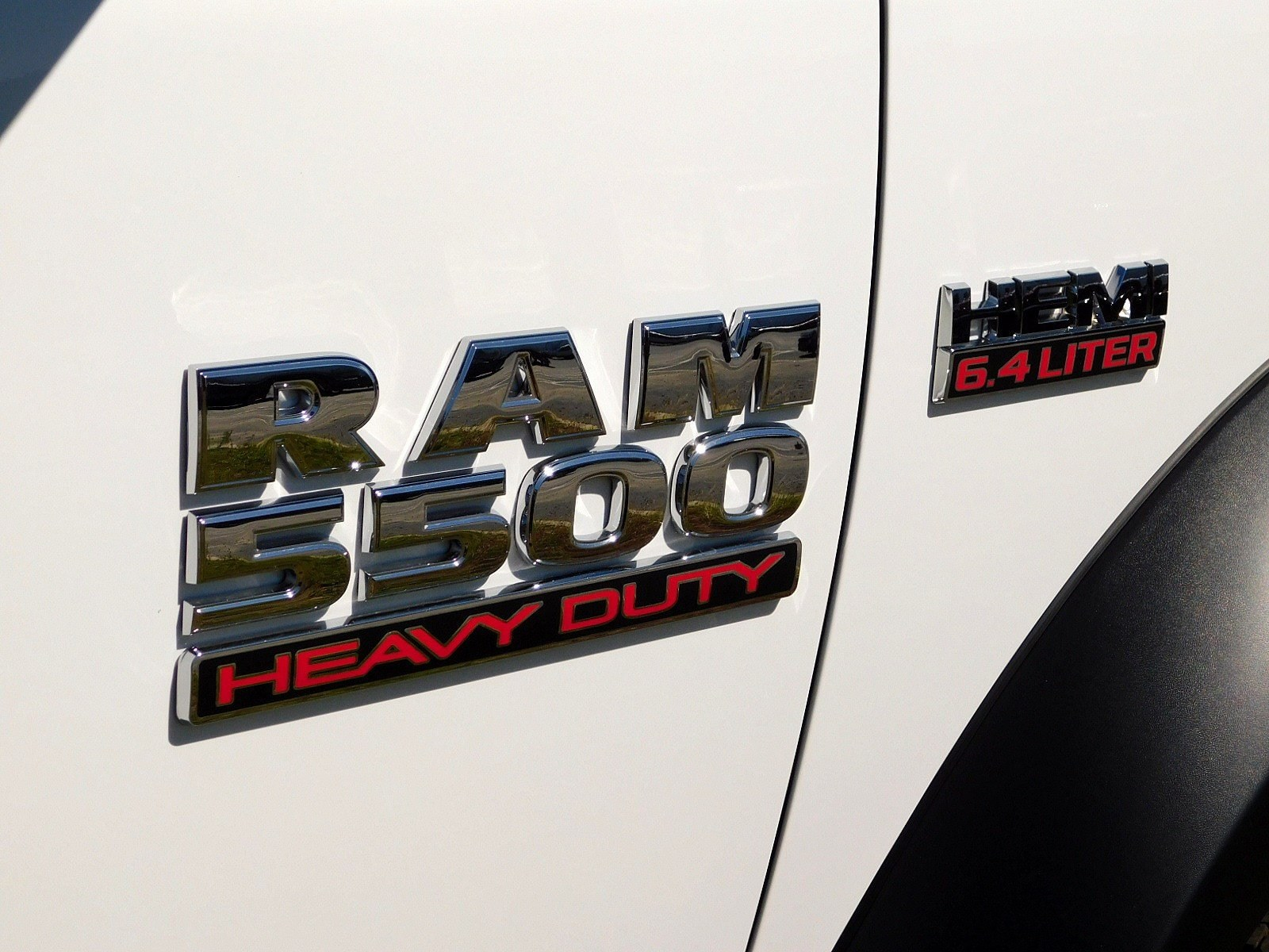 2018 Ram 5500 Crew Cab DRW 4x4,  Cab Chassis #CJ478 - photo 7