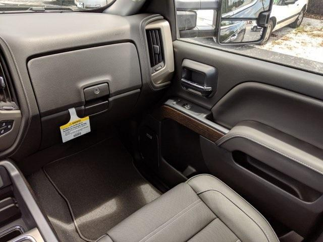 2019 Sierra 2500 Crew Cab 4x4,  Pickup #T19283 - photo 27