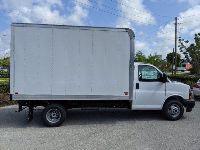 2020 GMC Savana 3500 RWD, Knapheide KCA Cutaway Van #T20244 - photo 4