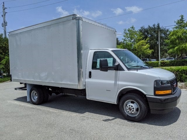 2020 GMC Savana 3500 RWD, J&B Truck Body Cutaway Van #T20326 - photo 1