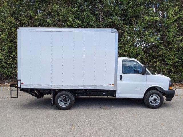 2021 GMC Savana 3500 4x2, Cutaway Van #T21089 - photo 4