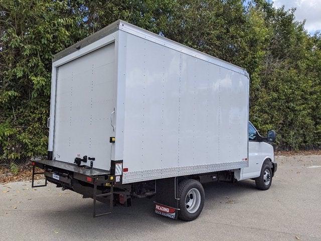 2021 GMC Savana 3500 4x2, Cutaway Van #T21089 - photo 2