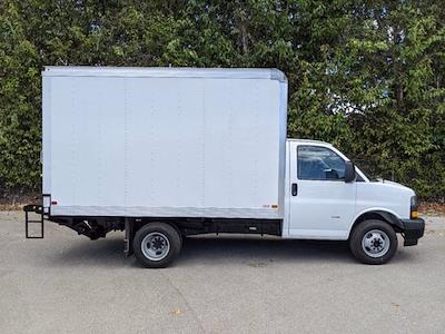 2021 GMC Savana 3500 4x2, Cutaway Van #T21089 - photo 4