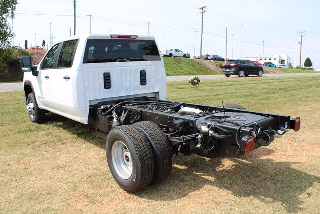 2021 Sierra 3500 Crew Cab 4x4,  Cab Chassis #G21-511 - photo 4