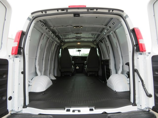 2017 Express 2500 Cargo Van #17G120C - photo 2