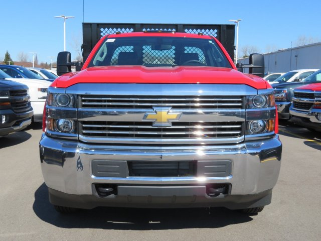 2017 Silverado 3500 Regular Cab 4x4, Platform Body #17K266X - photo 3
