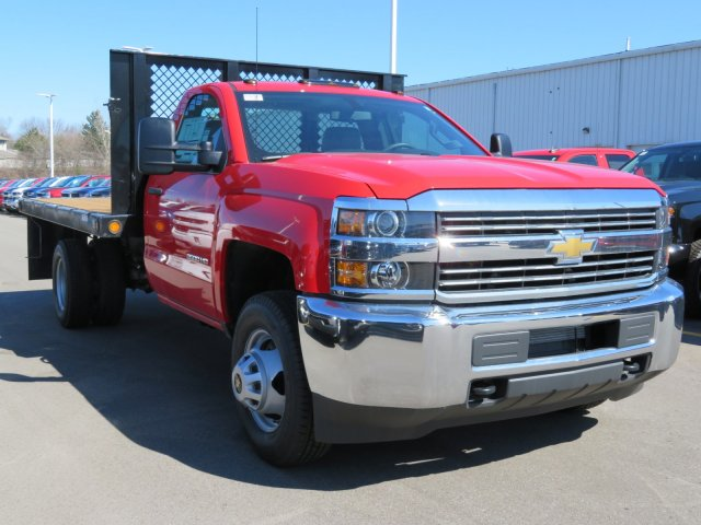 2017 Silverado 3500 Regular Cab 4x4, Platform Body #17K266X - photo 4
