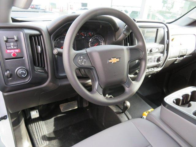 2018 Silverado 3500 Regular Cab DRW 4x4,  Monroe Dump Body #18K248W - photo 7