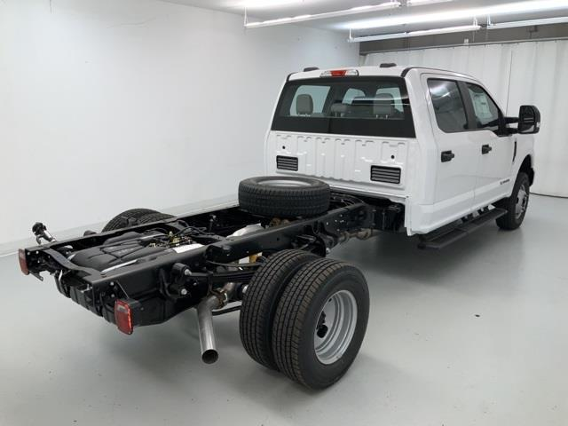 2020 Ford F-350 Crew Cab DRW 4x4, Cab Chassis #ZK7203 - photo 1