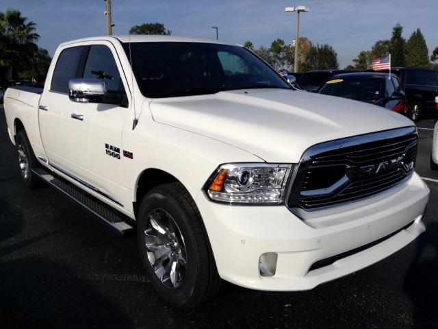 2017 Ram 1500 Crew Cab 4x4, Pickup #HS552466 - photo 3