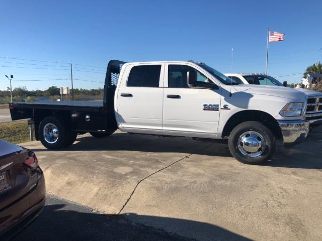 2018 Ram 3500 Crew Cab DRW 4x4, Platform Body #JG164579 - photo 4