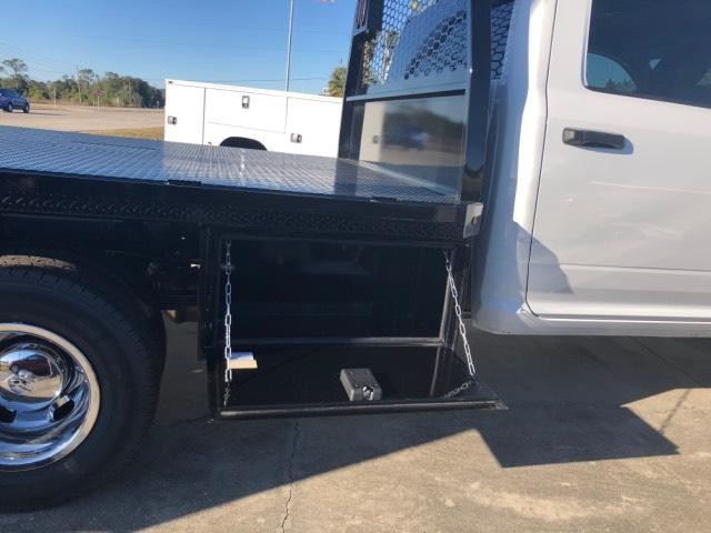2018 Ram 3500 Crew Cab DRW 4x4, Platform Body #JG164579 - photo 33