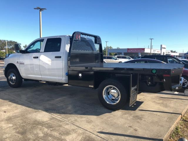 2018 Ram 3500 Crew Cab DRW 4x4, Platform Body #JG164579 - photo 3