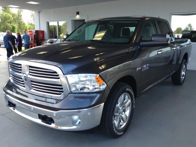 2018 Ram 1500 Crew Cab 4x4, Pickup #JS110420 - photo 7