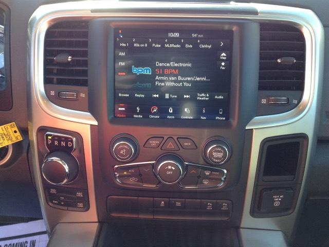 2018 Ram 1500 Crew Cab 4x4 Pickup #JS173154 - photo 15