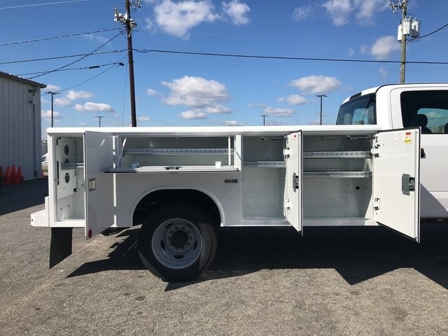 2017 F-450 Crew Cab DRW, Reading Classic II Steel Service Body #HEE87339 - photo 15