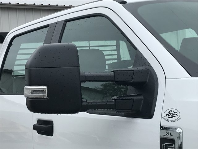 2017 F-550 Crew Cab DRW 4x4, Cadet Platform Body #HEF23168 - photo 9