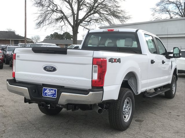 2018 F-250 Crew Cab 4x4, Pickup #JEB46830 - photo 2