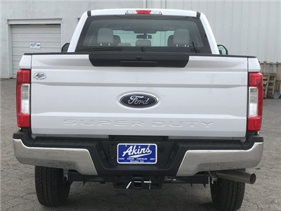 2018 F-250 Crew Cab 4x4, Pickup #JEB46830 - photo 4