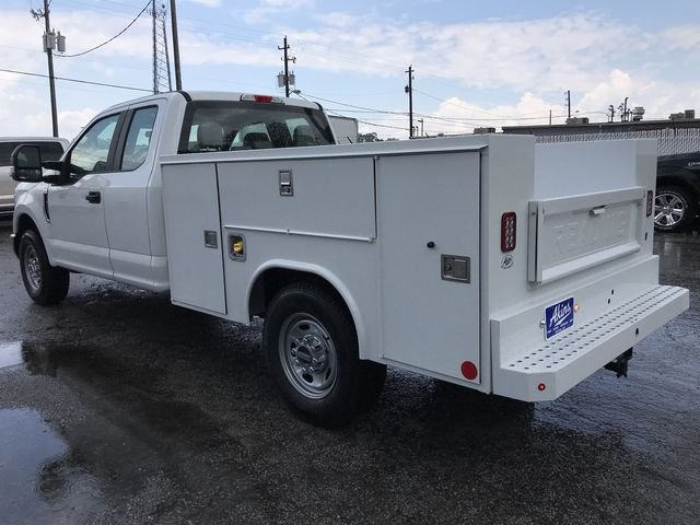 2018 F-250 Super Cab 4x2,  Reading Service Body #JEC70060 - photo 4