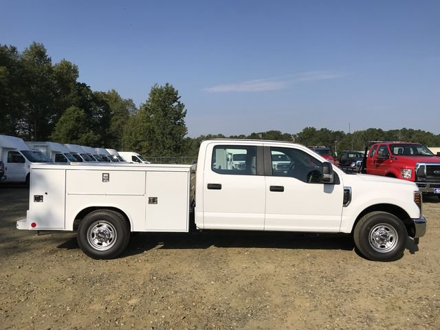 2018 F-250 Crew Cab 4x2,  Reading Service Body #JED06165 - photo 3