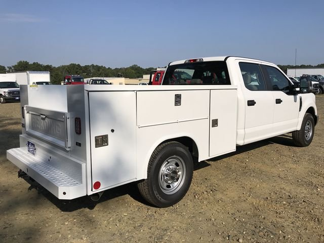 2018 F-250 Crew Cab 4x2,  Reading Service Body #JED06165 - photo 2