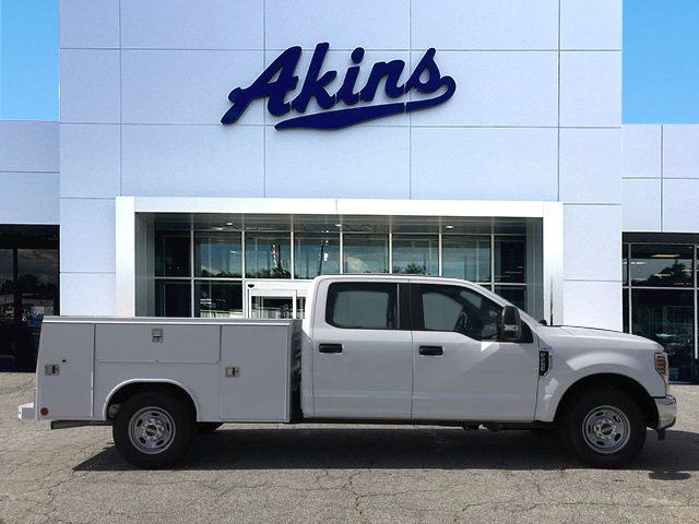 2018 F-250 Crew Cab 4x2,  Reading SL Service Body #JED06173 - photo 3