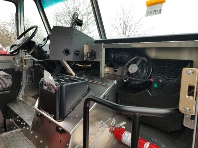 2019 F-59 RWD,  Morgan Olson Step Van / Walk-in #K0A05584 - photo 11