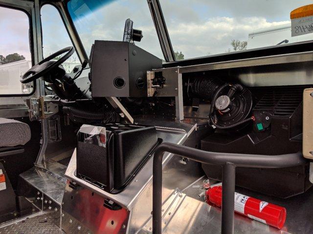 2019 F-59 RWD,  Utilimaster Step Van / Walk-in #K0A10996 - photo 11