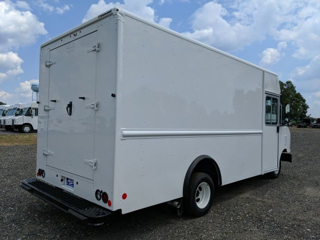 2019 E-450, Utilimaster Step Van / Walk-in #KDC17606 - photo 1