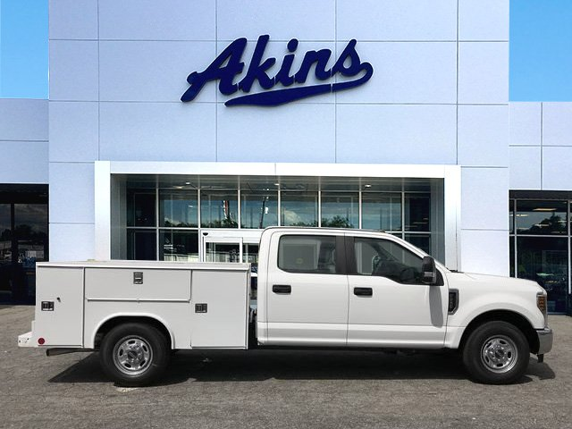 2019 F-250 Crew Cab 4x2,  Reading Classic II Steel Service Body #KEC25535 - photo 1