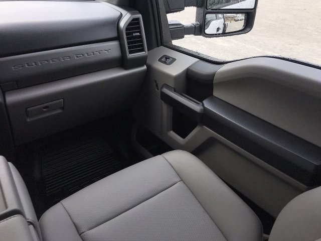 2019 F-450 Crew Cab DRW 4x4,  Freedom Platform Body #KED02630 - photo 14