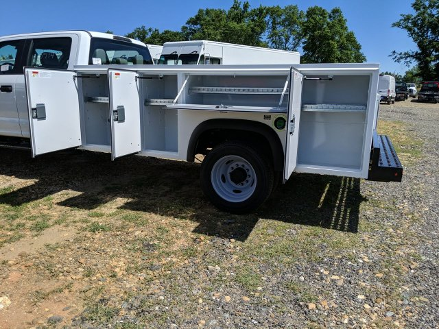 2019 F-550 Crew Cab DRW RWD,  Monroe Service Body #KEE60714 - photo 10