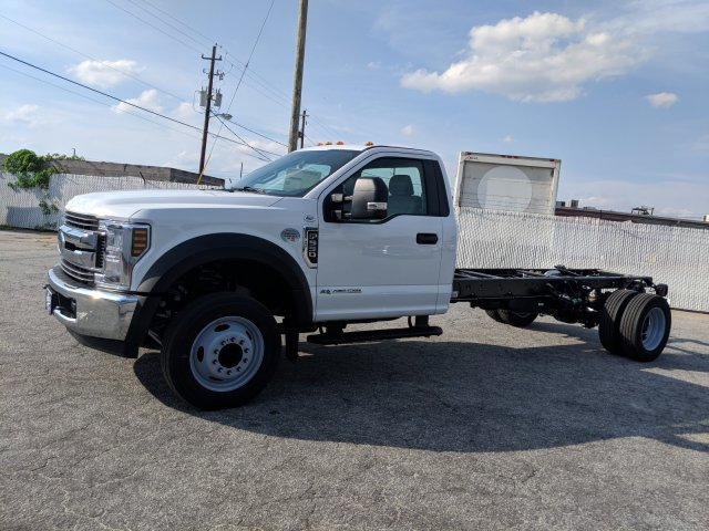2019 F-550 Regular Cab DRW RWD,  Cab Chassis #KEE75998 - photo 4