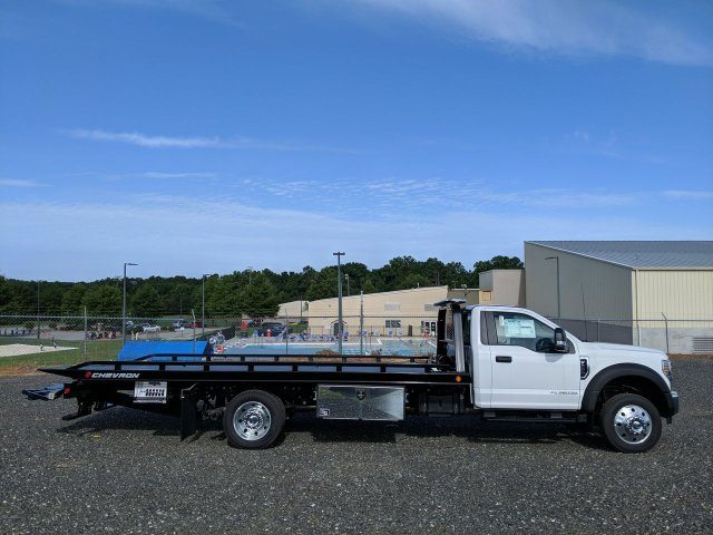2019 F-550 Regular Cab DRW RWD,  Cab Chassis #KEE75999 - photo 3