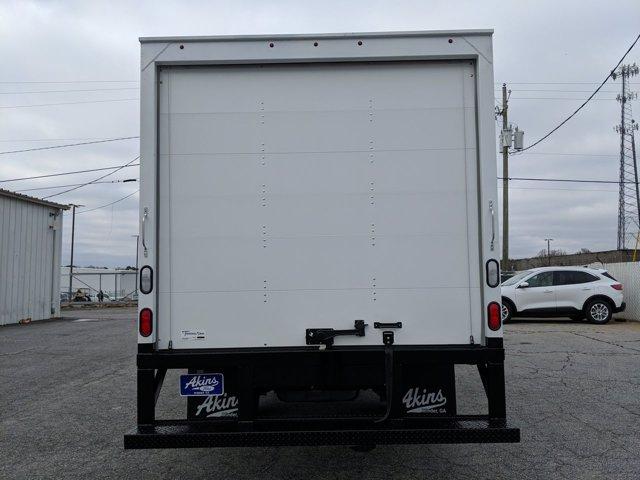 2021 Ford E-450 4x2, Smyrna Truck Cutaway Van #MDC27862 - photo 4