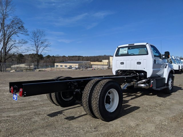 2021 Ford F-750 Regular Cab DRW 4x2, Cab Chassis #MDF07102 - photo 1