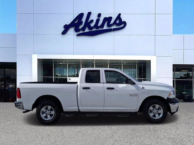 2018 Ram 1500 Quad Cab 4x2, Pickup #TS324556 - photo 1