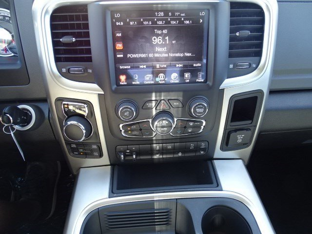 2017 Ram 1500 Crew Cab 4x4 Pickup #HG522843 - photo 13