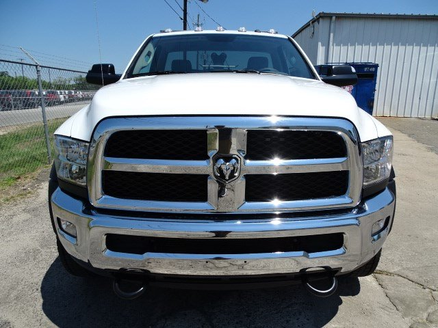 2017 Ram 5500 Regular Cab DRW, Wrecker Body #HG557217 - photo 3