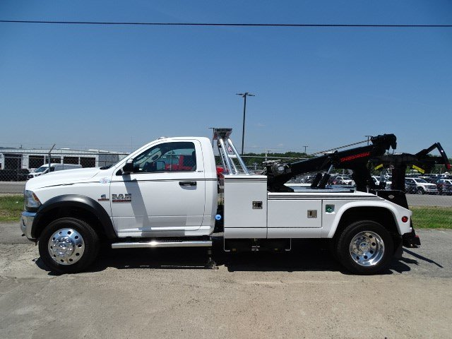 2017 Ram 5500 Regular Cab DRW, Wrecker Body #HG557217 - photo 4