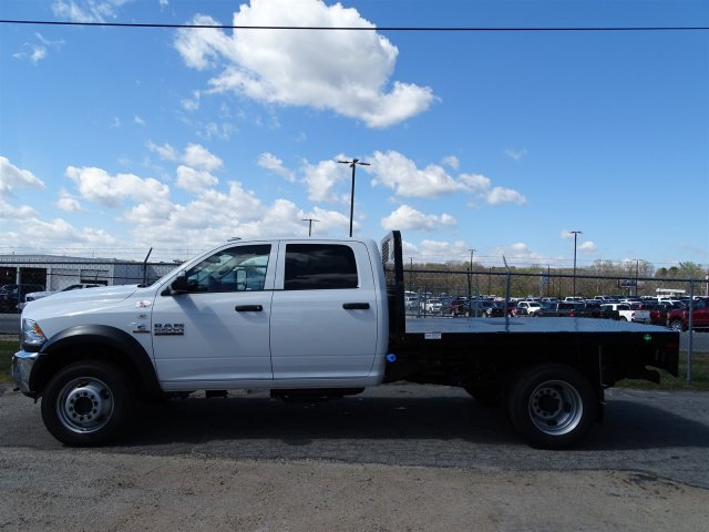 2017 Ram 5500 Crew Cab DRW 4x4, Platform Body #HG636635 - photo 4