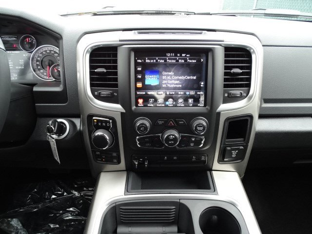 2017 Ram 1500 Crew Cab 4x4 Pickup #HG777626 - photo 11