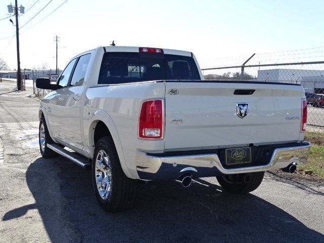 2017 Ram 1500 Crew Cab 4x4, Pickup #HS612202 - photo 2