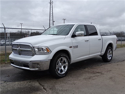 2017 Ram 1500 Crew Cab Pickup #HS630365 - photo 1