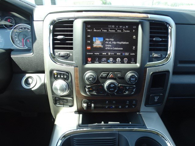 2017 Ram 1500 Crew Cab 4x4 Pickup #HS774307 - photo 10