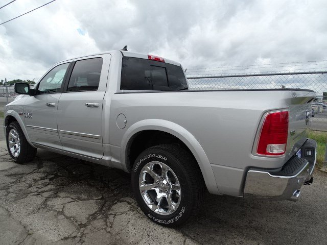 2017 Ram 1500 Crew Cab 4x4, Pickup #HS774310 - photo 2